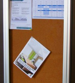 LOCABLE NOTICE BOARD CABINET (900 X 600)